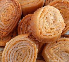 by dona concha - Receita de salgadinho enroladinho de queijo. Visite nosso blog: www.donaconcha.com.br