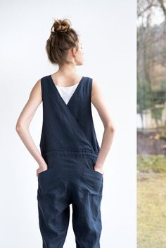 Loose Linen jumpsuit / Charcoal washed linen jumpsuit / Washed linen overall Look Fashion, Womens Fashion, Trendy Fashion, Look Plus, Kind Mode, Linen Fabric, Work Wear, What To Wear, Overalls