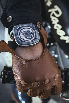 Custom Cafe Racer x SevenFriday P2More of our footage atWatchAnish.com.