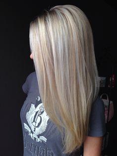Beautiful blonde bombshell@whitneygrubbs #victorvictoriaomaha#stylistwhitneygrubbs