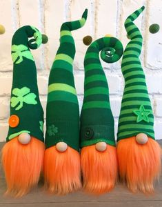 Home Sweet Gnome Handcrafted Holiday Gnomes For Your Home christmasgnomes Adorable St Patricks Day leprechaun gnomes for your St Patty s Day decor St Patrick's Day Crafts, Holiday Crafts, Kids Crafts, Toddler Crafts, Easter Crafts, Leprechaun, Christmas Gnome, Handmade Christmas, St Patrick's Day Decorations