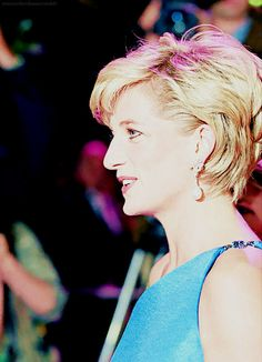 1996. Princess Diana at the Victor Chang Research Institute dinner-dansant in Sydney, Australia