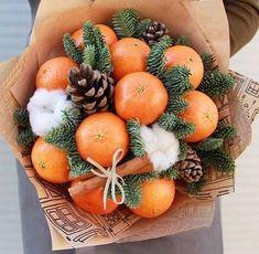 Food Bouquet, Gift Bouquet, Candy Bouquet, Christmas Gift Box, Christmas Mood, Christmas Crafts, Xmas, Edible Fruit Arrangements, Edible Bouquets