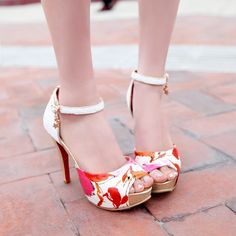 Flower wedge sandal | AM Chic