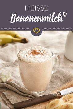 Bananenmilch mal anders: Mit deinem Milchaufschäumer bereitest du sie heiß zu … Banana milk with a difference: with your milk frother, you prepare it hot and get a cozy feel-good drink for the cold season. Healthy Snacks To Make, Healthy Smoothies, Healthy Drinks, Smoothie Recipes, Juice Recipes, Budget Freezer Meals, Cooking On A Budget, Clean Eating Cookies, Clean Eating Recipes