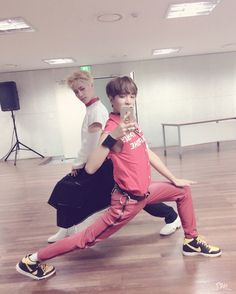 Let me present to you the oldest and the youngest of NCT 127