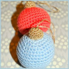 Finurlige finesser: Hæklede julekugler Christmas Tree Ornaments, Christmas Crafts, Xmas, Diy Arts And Crafts, Diy Crafts, Knitting Patterns, Crochet Patterns, Diy Crochet And Knitting, Christmas Knitting