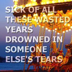 "MAROON 5 ""WASTED YEARS"""