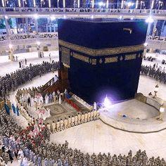 Image in Islam 🌙/ Allah 💎 collection by Makaveli Mecca Masjid, Masjid Al Haram, Mecca Madinah, Mecca Hajj, Islamic Images, Islamic Pictures, Islamic Qoutes, Islamic Art, Muslim Quotes
