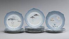 Set de 12 pratos em porcelana Dinamarquesa Royal Copenhagen do inicio do sec.20th, 25cm de diametro, 2,550 USD / 2,220 EUROS / 9,030 REAIS / 16,510 CHINESE YUAN soulcariocantiques.tictail.com