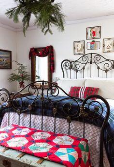 Far Above Rubies: Vintage Christmas bedroom