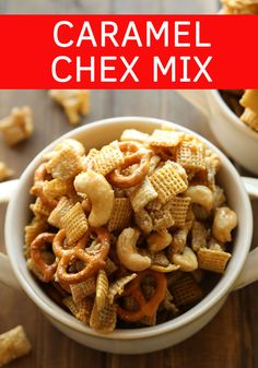 Caramel Chex Mix: Salty, Sweet, Crunchy This Sweet, Salty and Crunchy CARAMEL CHEX MIX is guaranteed to make you new friends! It is the perfect party treat! A word of warning – it is also borderline addictive! (This recipe can easily be made Gluten Free. Dessert Party, Caramel Chex Mix, Chex Mix Recipes, Plat Simple, Homemade Caramel Sauce, Food Stamps, Side Dishes Easy, The Fresh, Holiday Recipes