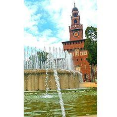 #milan #milanocityufficiale #castle #sforzesco #castellosforzesco #sunnyday #friday #fountain #water #igersoftheday #igerslombardia #architecture #architecturelovers #prospective #viewpoint #traveldiaries #igersoftheday #milanodavedere #milanodaclick #visitmilano #glocalphoto #urbanlightscape #fe2015 #insidefe15 #nikonitalia #IAMHERE #ioviaggioTouring #capture #exposureshots by mikelamalizia