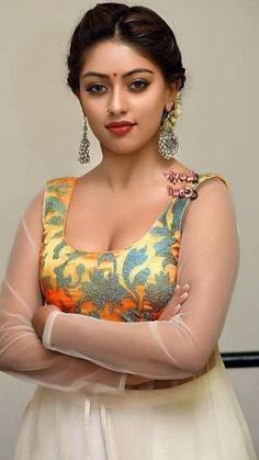 Beautiful Blonde Girl, Beautiful Girl Photo, Beautiful Girl Indian, Most Beautiful Bollywood Actress, Beautiful Actresses, 10 Most Beautiful Women, Indian Girl Bikini, Applis Photo, Indian Beauty Saree