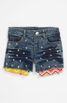 LOVE these shorts - wish they came in my size!!!