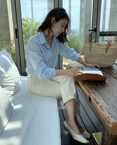 Korean Fashion Summer Street Styles, Korean Fashion Work, Uniqlo Style, Blue And White Striped Shirt, Casual Outfits, Fashion Outfits, Fashion Design Sketches, Elegant Outfit, Korean Outfits