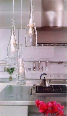 * Decoração e Invenção *: A arte de reciclar...garrafas viram lustres
