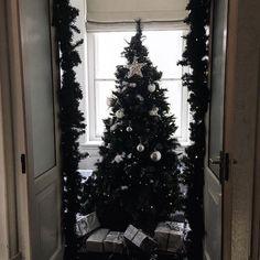 thatgirlwithherblog - SANTA BABY. ???? || Yesterday's pretty @hunkemoller Christmas party location. ? #hkmsantababy #hunkemollerambassadors #christmas #happiness #blogger #belgianblogger #fashionblogger #thatgirlwithherblog