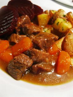 Swedish Kalops or Beef Stew with Allspice Hot Cocoa Recipe, Cooking Challenge, Goulash Recipes, Scandinavian Food, Danish Food, Swedish Recipes, Pot Roast, Soups And Stews, Good Food