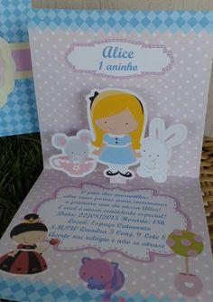 Convite Alice no País das Maravilhas , formato pop up, acompanha tag com nome do convidado e já vai lacrado.  Podemos adaptar para qualquer tema.  Confeccionado em papel fosco, impressão em papel fotográfico acréscimo de 1,00