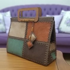 Leather Bum Bags, Leather Bags Handmade, Handmade Bags, Leather Wallet, My Bags, Purses And Bags, Custom Leather Belts, Embroidered Bag, Patchwork Bags