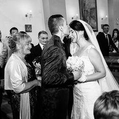 """""""30 giorni fa... ❤️ #momenticherestano E questa è tra quelle foto che mi piacciono un casino, sarà il fascino del bianco e nero..."""" by @lulyxx. #eventplanner #weddingdesign #невеста #brides #свадьба #junebugweddings #greenweddingshoes #destinationweddingphotographer #dugunfotografcisi #stylemepretty #weddinginspo #weddingdecor #weddingstyle #destinationwedding #weddingflowers #weddingdetails #luxurywedding #engagement #theknot #prewedding #engaged #weddingplanning #weddinginspiration…"""
