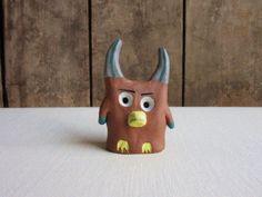 Pottery Animals, Ceramic Owl, Ceramics, Handmade, Ceramica, Pottery, Hand Made, Ceramic Art, Porcelain