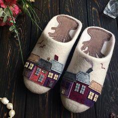 felted_art#boot #artistic #woolshoes #feltdesign #unique #woolslipper #style #uniquegift #fashionart #fashiongram #slippers #fiberart #felting #feltart #hippiestyle #hippiefamily #wetfelting #wetfelt #waterfelted #instagood #picoftheday #photooftheday #instaart #giftsforher #giftideas #instafashion #feltedboot #wetfeltboots #warm #uniqueart