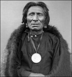 Omaha Chief Yellow Smoke. Photo taken 1883.