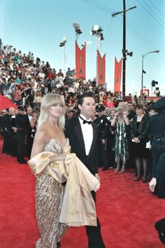 : goldie hawn and kurt russell Hollywood Couples, Celebrity Couples, Celebrity Weddings, Goldie Hawn Kurt Russell, Green News, Biological Father, Kate Hudson, Celebs, Celebrities