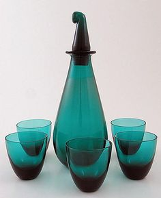 NANNY STILL - Glass carafe and tumblers designed for Riihimäen Lasi Oy, in production Finland. Vintage Furniture Design, Art Furniture, Colored Glass Vases, Art Of Glass, Glass Ceramic, Mid Century Modern Design, Vintage Pottery, Glass Design, Carafe