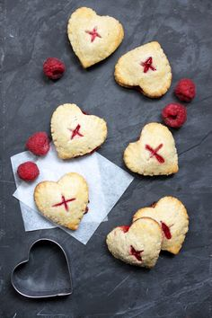 Chloé Délice: Mini pies citron framboise { Battle Food #28 }