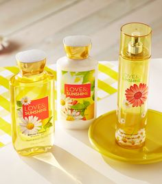 Super juicy strawberries & bright, fresh lemons make Love & Sunshine one of our happiest fragrances, yet!