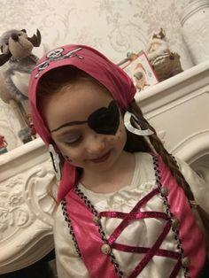 girl pirate makeup , dressing up,