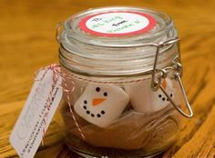 Christmas Gifts in a Jar - Snowmen Hot Cocoa - Click pic for 25 DIYChristmas Gifts