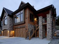 Lofty Fox Villa Breckenridge (Colorado) Set in Breckenridge, this apartment features a patio with mountains views. The unit is 3 km from QuickSilver Super6.  The kitchen is fitted with a dishwasher, an oven and a microwave and there is a private bathroom.