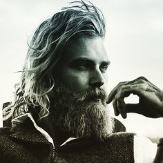 The Bearded Men is your one stop Beard Oil and Beard Grooming site to bring your beard needs to life. We have been successfully running for 3 years serving plus happy customers when means you can shop at The Bearded Men with a piece of mind. Viking Beard Styles, Beard Styles For Men, Hair And Beard Styles, Long Hair Styles, Sexy Beard, Epic Beard, Moustaches, New Beard Style, Style Men