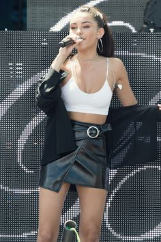 Madison Beer performing at the Y100 mack-a-pooloza party