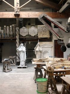Florence, Tuscany: The workshops of the Museo dell' Opera di Santa Maria del Fiore.  The Museum houses unique works of art that once decorated the cathedral, the Campanile and the Baptistery. It is one of the most impressive exhibitions and attractions of Florence, but is haunted at all by crowds. #florence #museodellopera #santamariadelfiore #cathedral #workshop #tuscany #italy