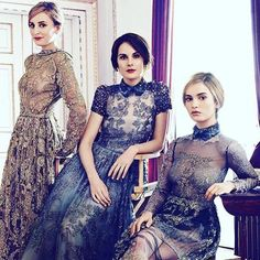 Who else swooned their way into the season premiere of #DowntonAbbey tonight?  #SundayNightsWithPBS  Favorite 1920's female entrepreneur: Mary the estate manager or Edith the newspaper editor? If only girl bosses still dressed so ... by hilaryrushford