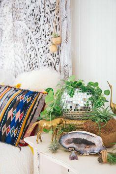 Your disco ball planter? Yes, please Chaparral Studio. Big Indoor Plants, Cool Plants, Indoor Garden, Room Inspiration, Interior Inspiration, Disco Ball, My Living Room, Bohemian Decor, Studio