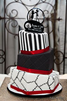 nightmare before christmas cake - by piece of cake. love it!