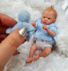 Barbie dolls holds, all aspects old-fashioned wood-based residences to effectively Barbie Dreamhouses. Small Baby Dolls, Realistic Baby Dolls, Tiny Dolls, Ooak Dolls, Art Dolls, Barbie Dolls, Reborn Toddler Girl, Reborn Baby Boy Dolls, Newborn Baby Dolls