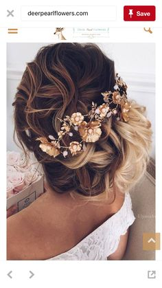 This is like the prettiest hair style in the history of ever😜😍