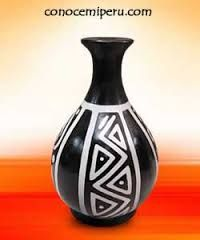 Imagen relacionada Pottery Painting, Ceramic Painting, Pottery Vase, Ceramic Pottery, Wine Bottle Art, Painted Wine Bottles, Painted Vases, Bengali Art, Arts And Crafts For Teens