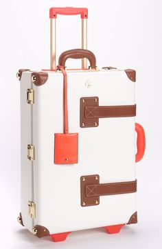 Free shipping and returns on kate spade new york 'new yorker' wheeled carry-on at Nordstrom.com. A hard, glossy shell and modern pops of color update a wheeled carry-on with a charming, vintage-vibe design. Inside the case, a detachable clip-in carrier stores small items while helping to flatten clothes; outside, it becomes an easy-hang washbag.