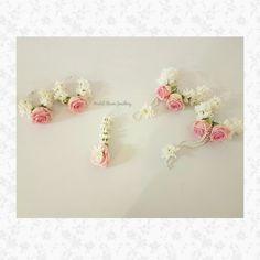 Real flower jewellery by Bridal Flower Jewellery Order my WhatsApp no- 7874133176 Flower Jewellery For Mehndi, Flower Jewelry, Wedding Preparation, Bridal Flowers, Trends, Boho, Wedding Accessories, Making Ideas, Floral Arrangements