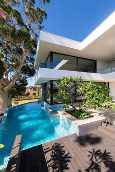 Rising three floors up in the air, this modern home in one of Perth's Australian suburb is a brainchild of Australia-based studio Urbane Projects