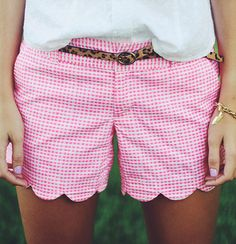 Love the pink gingham shorts with scalloped hem detail ~