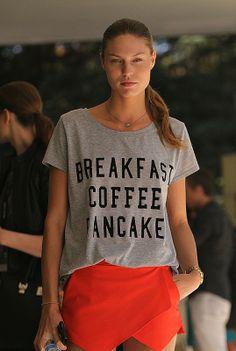Sporty chic  ...el T-shirt de Zara.